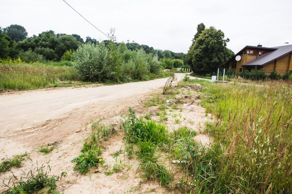 Prie Nevėžio įsikūrę gyventojai liko be kelio