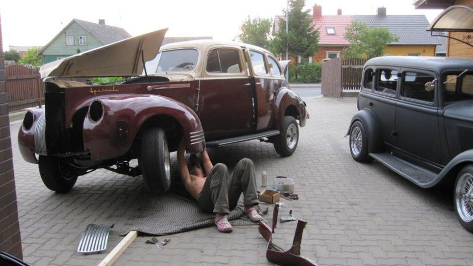 Prabangus pomėgis – senovinės mašinos