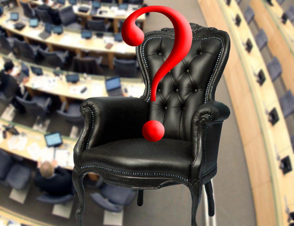 Į laisvą Seimo nario vietą – 14 pretendentų