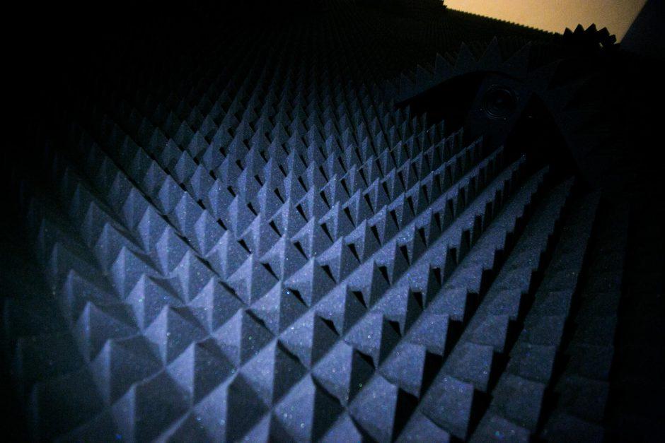 Kas nupurtys iliuzijų smėlį?
