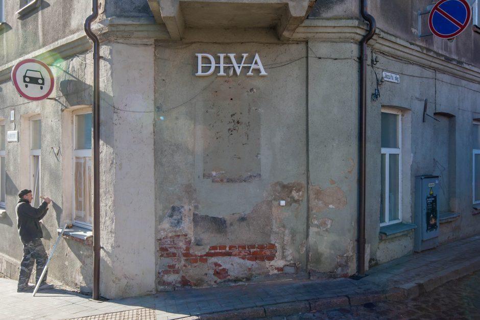 "Akibrokštas senamiestyje: Vaižgantas tapo ""Diva"""