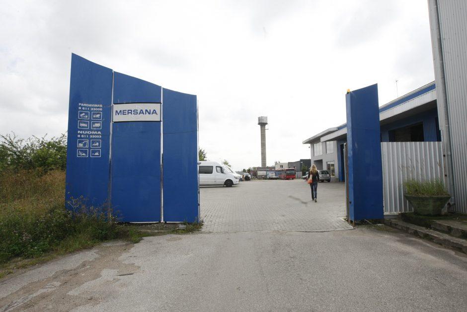 Miesto gatvę atkirto vartai