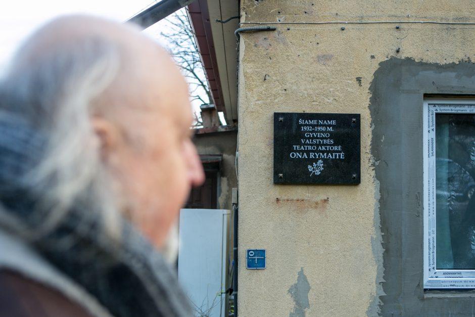 Kodėl Kaune nyksta atminties ženklai garsiems teatralams?