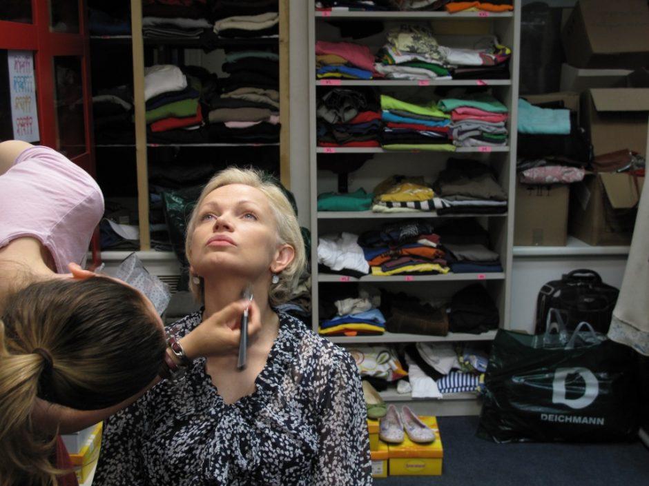 Aktorė L. Kalpokaitė: svarbiausia, kad filmuojantis netrintų batai