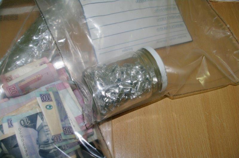 Reidų čigonų tabore metu pareigūnai rado didelius narkotinių medžiagų kiekius