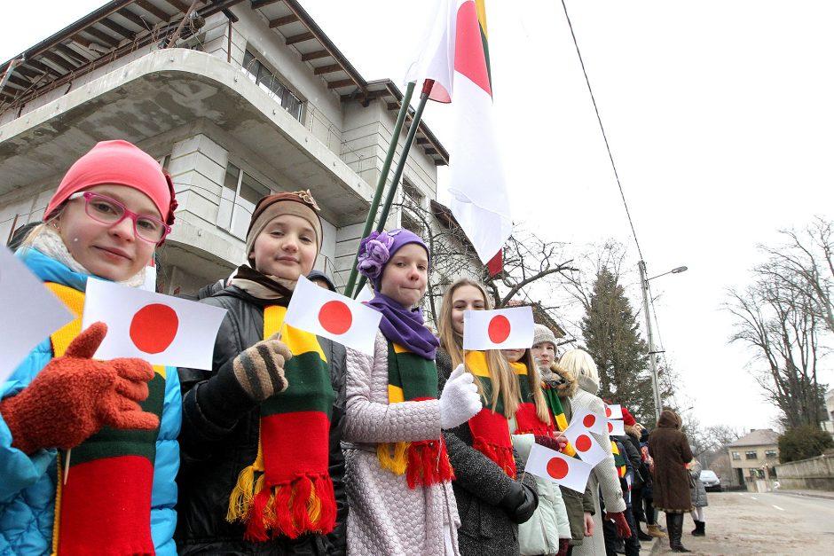 Kaune viešėjo Japonijos premjeras