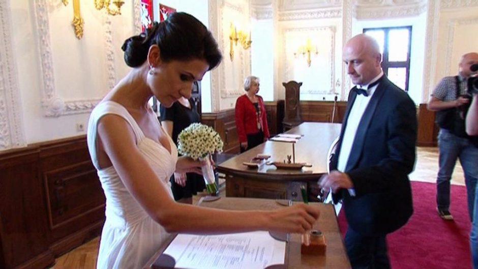 R. Šimukausko vestuvės kainavo tiek, kiek viena O. Pikul suknelė