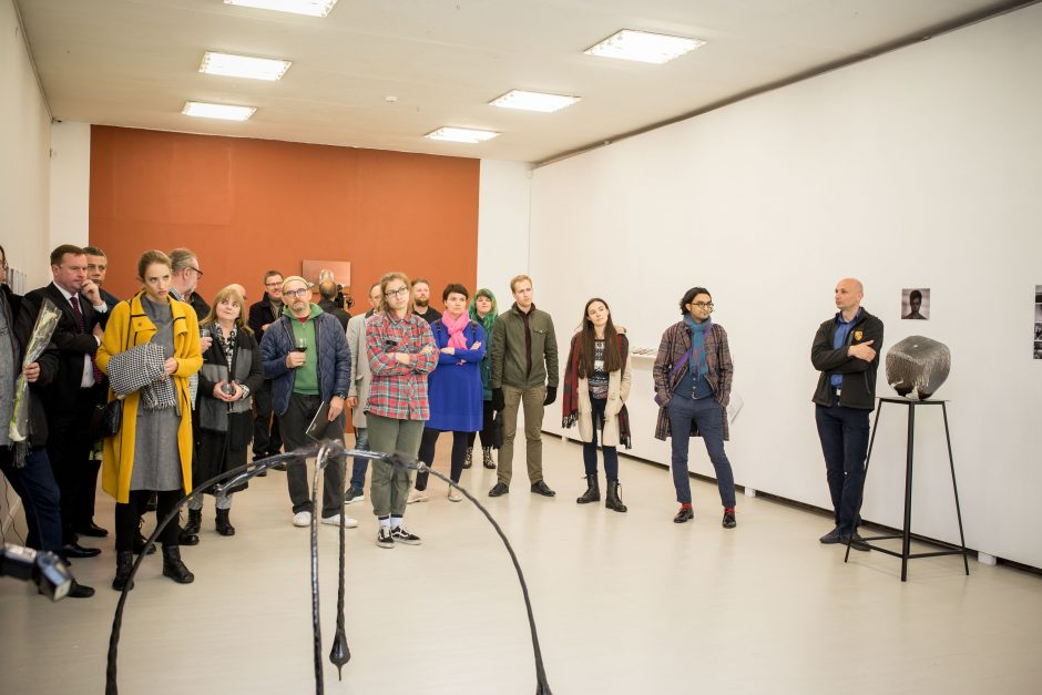 """""""Vitrum Balticum"""" stebina meno kūriniais parodose"""