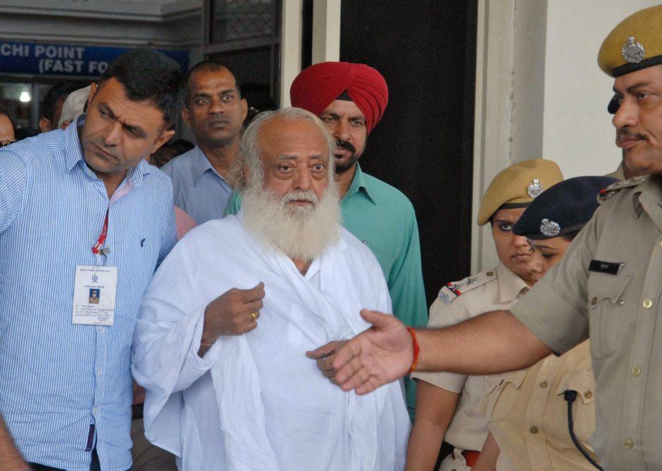 Indijoje dėl įtariamo seksualinio paauglės užpuolimo areštuotas guru Asaramas