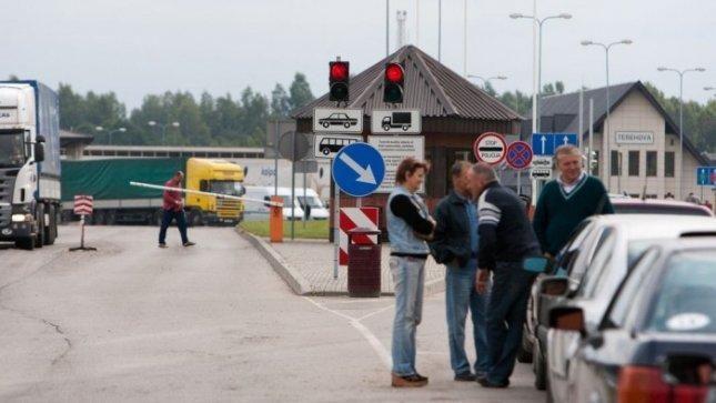 Rusija pasienyje sugriežtino lietuvių patikrą – per valandą praleidžiamas vos vienas automobilis