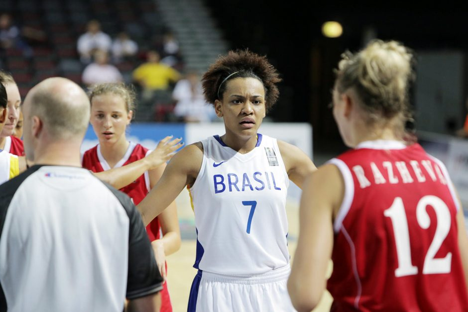 Pasaulio merginų krepšinio čempionatas prasidėjo brazilių pergale