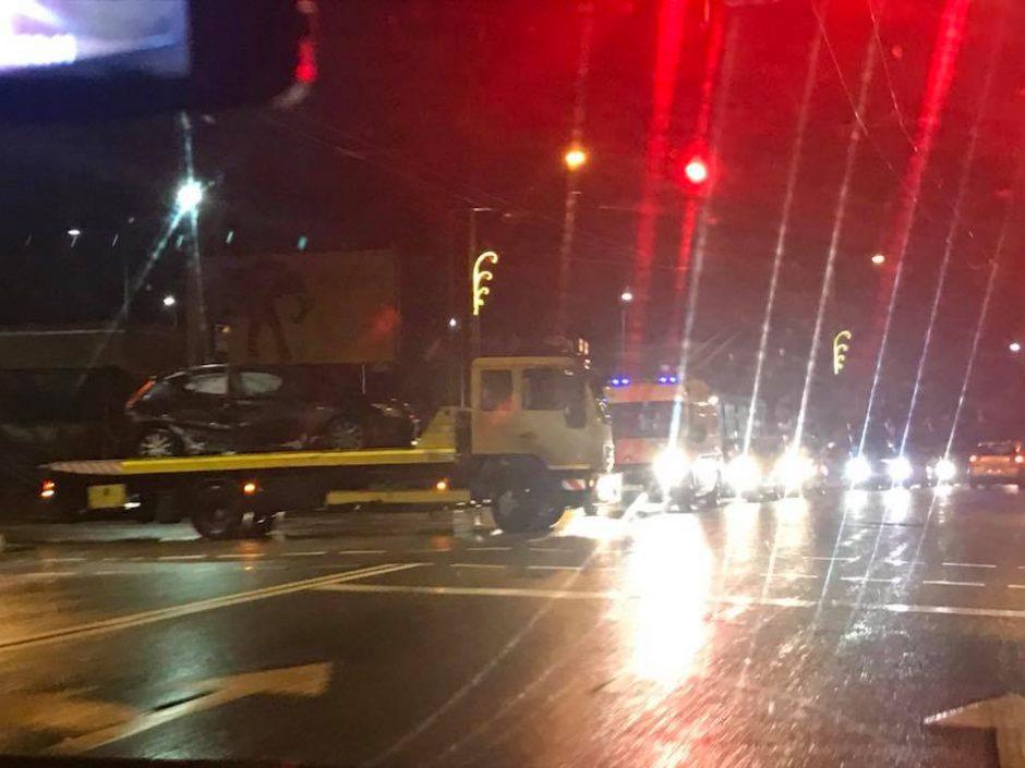 """Per """"Hyunday"""" ir BMW avariją sužalota jauna vairuotoja"""