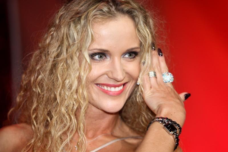 Žinomos Lietuvos moterys kilniam tikslui aukos savo sukneles