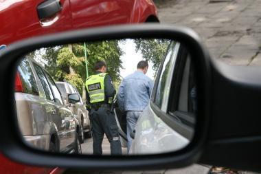 Klaipėdietė dėl savo vyro policininkams siūlė kyšį