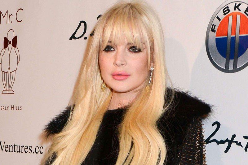 """Lindsay Lohan advokatas giria ją už """"brandumą"""""""