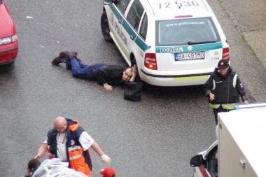Bratislavoje siautėjo ginkluotas užpuolikas (papildyta 16.57 val.)
