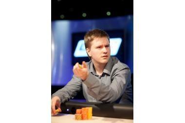 Lietuvis prie pokerio stalo laimėjo daugiau nei 2 mln. litų