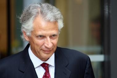 Buvusiam Prancūzijos premjerui gresia teisiamųjų suolas