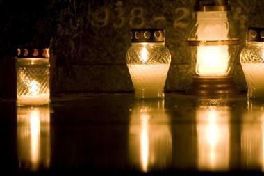 Rasų kapinėse per Vėlines užsidegs tūkstančiai žvakių
