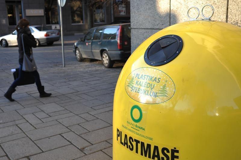 Kauno Kalėdų eglei – 40 tūkst. plastiko butelių