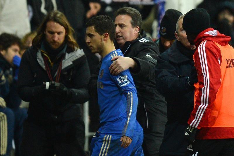 """Gėda: """"Chelsea"""" iškrito iš Anglijos taurės, E.Hazardas spyrė berniukui"""
