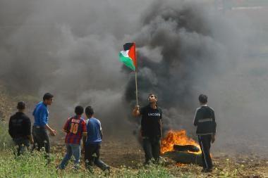 Palestiniečiai lieja įniršį prieš Izraelį, žlugdantį taikos derybas