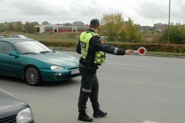Policija per šventes stiprina pajėgas