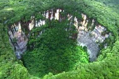 """Gamtos didybė – """"šuliniais"""" nusėtas Gvianos plokščiakalnis"""
