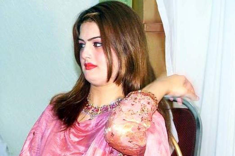 Pakistane nušauta populiari dainininkė G.Javed
