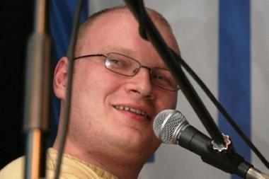 Sumuštas rusų žurnalistas O.Kašinas atgavo sąmonę, pranešė ligoninės vyriausiasis gydytojas