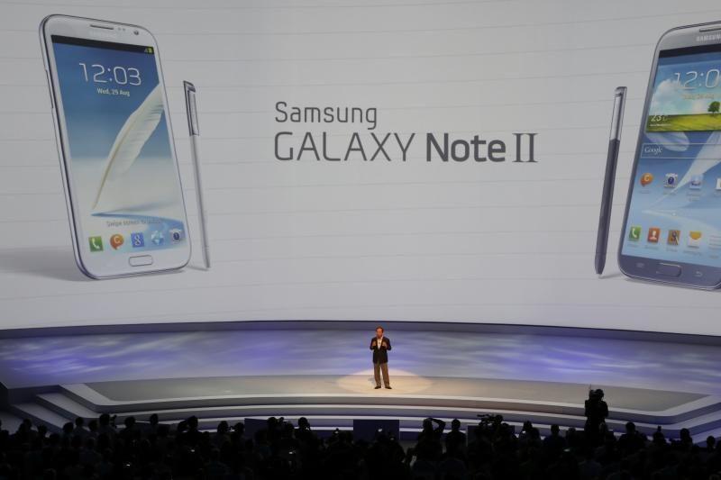 """Teigiama, jog """"Samsung Galaxy Note III"""" turės net 6.3 colių įstrižainę"""