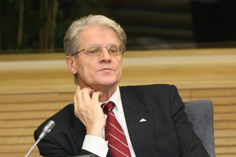 """Parlamente vienas """"Snoro"""" akcininkas - M.Zasčiurinskas"""
