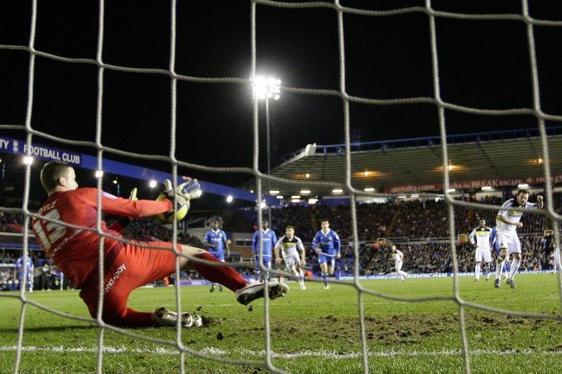 """Anglijoje """"Manchester United"""" laimėjo, """"Chelsea"""" tenkinosi lygiosiomis"""