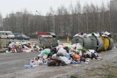 Kvadratiniams mokesčiams už atliekų tvarkymą - saulėlydis