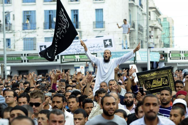 Tunise tautos šventės proga paleista per tūkstantį kalinių