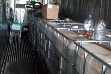 Tarptautinių pervežimų įmonės teritorijoje – 4 tonos nelegalaus kuro