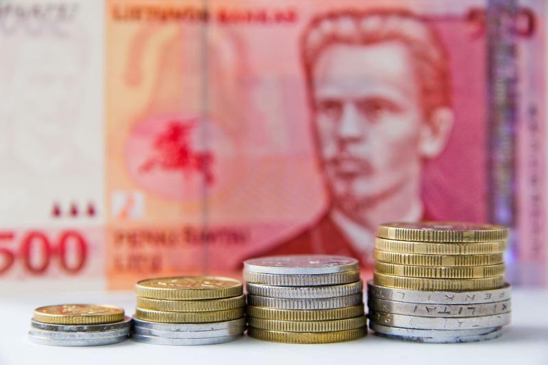 Apyvartoje – rekordinis litų kiekis, daugiausia – 1 cento monetų