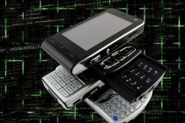 Specialistai primena pasirūpinti išmaniųjų telefonų saugumu