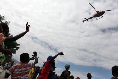 Stichijos nusiaubtam Haičiui lietuviai jau paaukojo apie 71 tūkst. litų