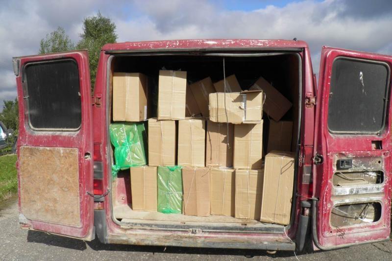 Apleistame autobuse – ketvirčio milijono litų vertės rūkalų kontraba