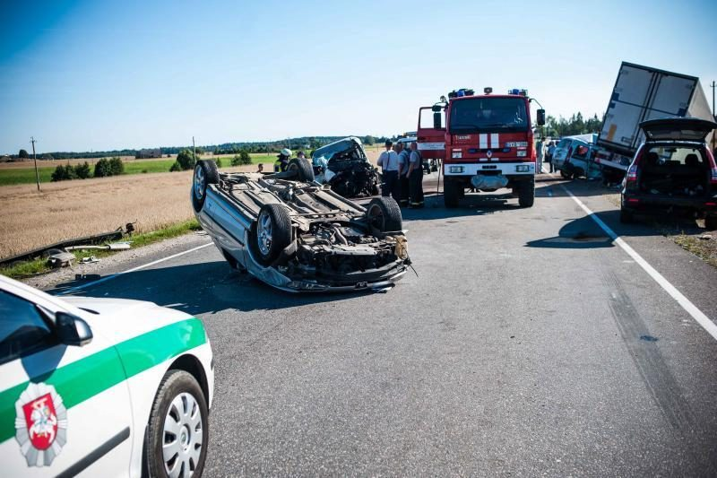 Per savaitę avarijose žuvo dešimt žmonių