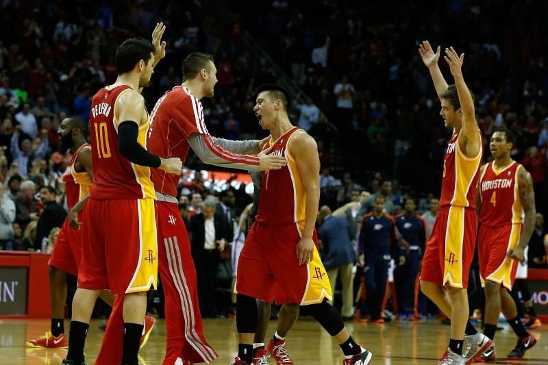 """""""Rockets"""" po įtemptos kovos įveikė """"Thunder"""" (D.Motiejūno komentaras)"""