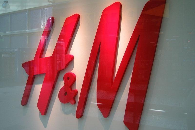 "Švedijos ""Hennes & Mauritz"" ketvirčio pelnas smuko 15 proc."