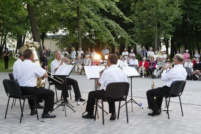 Muzikiniai vasaros šeštadieniai – Klaipėdos koncertų salės parke