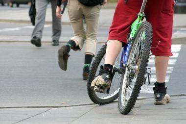 Klaipėdietę sužalojęs dviratininkas pabėgo iš įvykio vietos