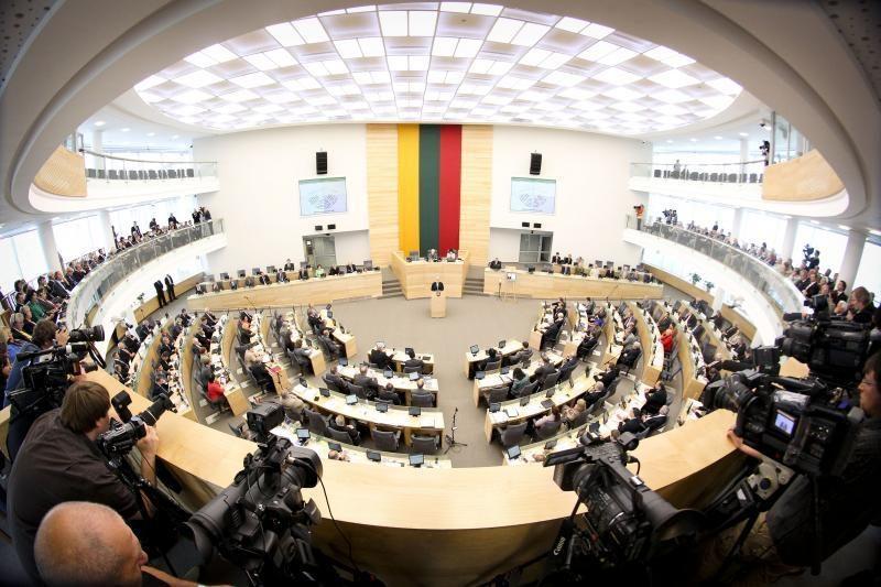 Padarius pertrauką dėl VAE, trečiadienį – neeilinis Seimo posėdis