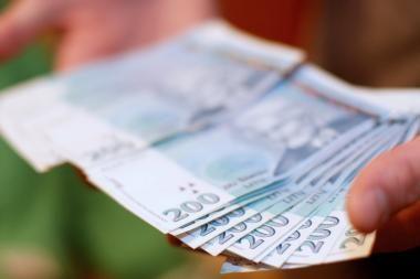 Pinigus pasisavinusi bažnyčios buhalterė sės į teisiamųjų suolą