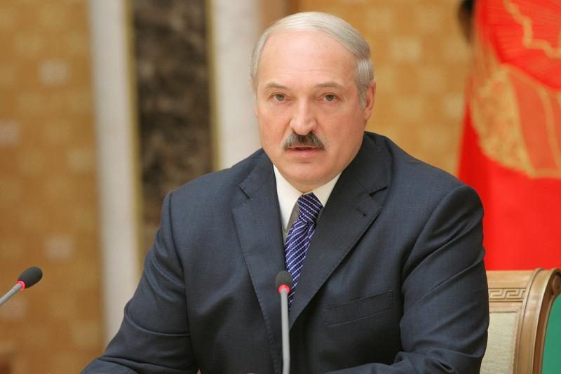 A.Lukašenkos malonės sulaukęs varžovas siūlo jam trauktis