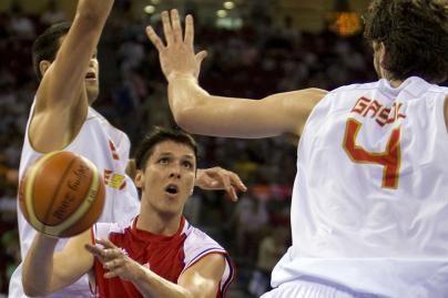 Pirmieji į krepšinio pusfinalį pateko ispanai