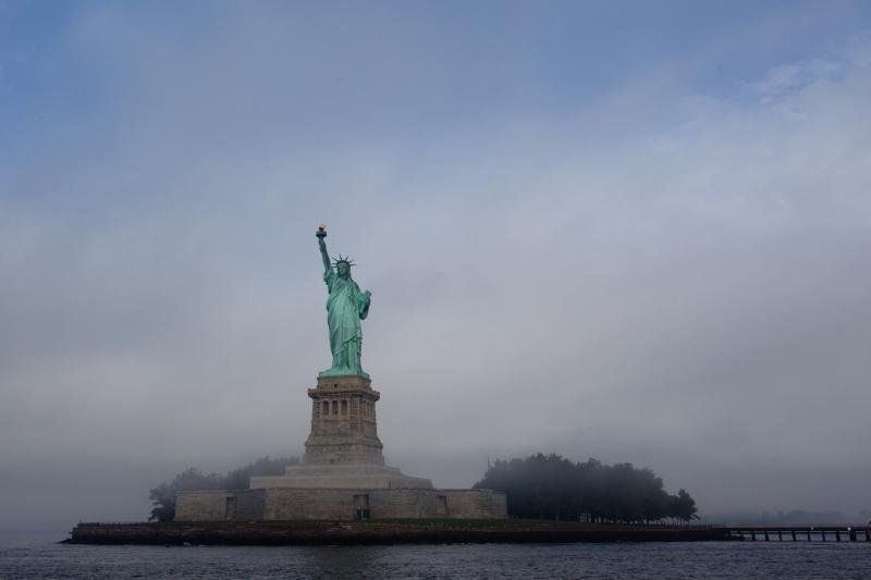 Moteris tvirtina įsimylėjusi Laisvės statulą Niujorke